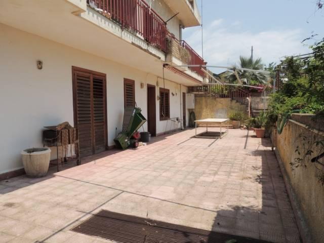 Appartamento da ristrutturare in vendita Rif. 6827438