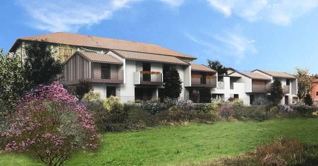 Villa in vendita a Bisuschio, 5 locali, prezzo € 340.000 | CambioCasa.it