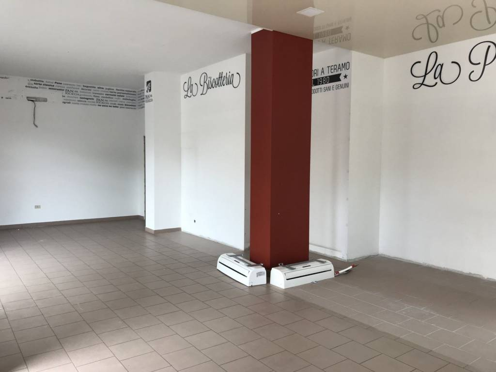 Locale commerciale Rif. 6825688