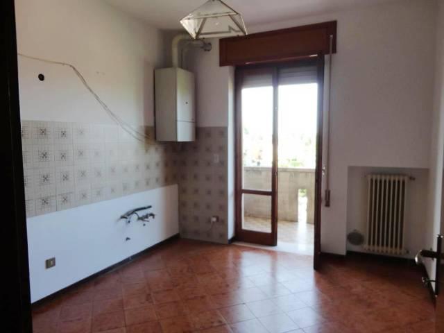 Appartamento in buone condizioni in vendita Rif. 6839588