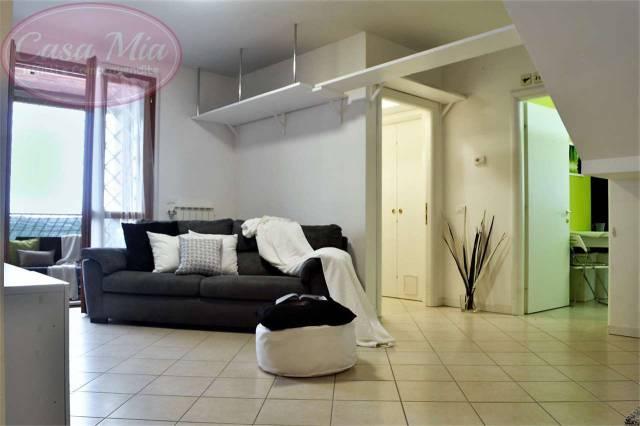 Appartamento in ottime condizioni in affitto Rif. 6843695