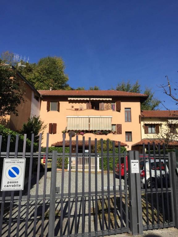 Appartamento in ottime condizioni arredato in affitto Rif. 6837768