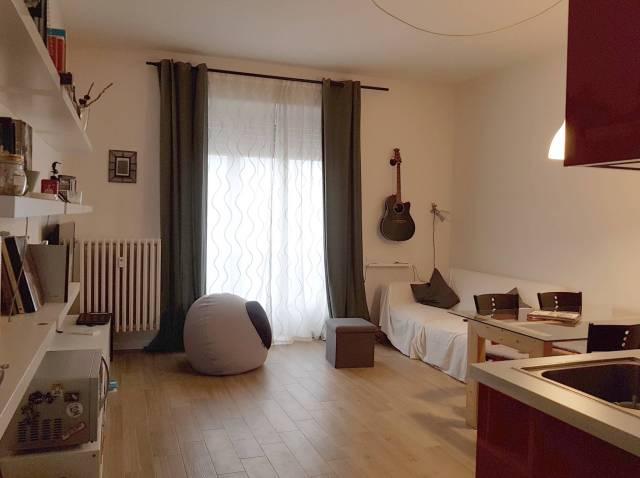 Appartamento in ottime condizioni in affitto Rif. 6837769