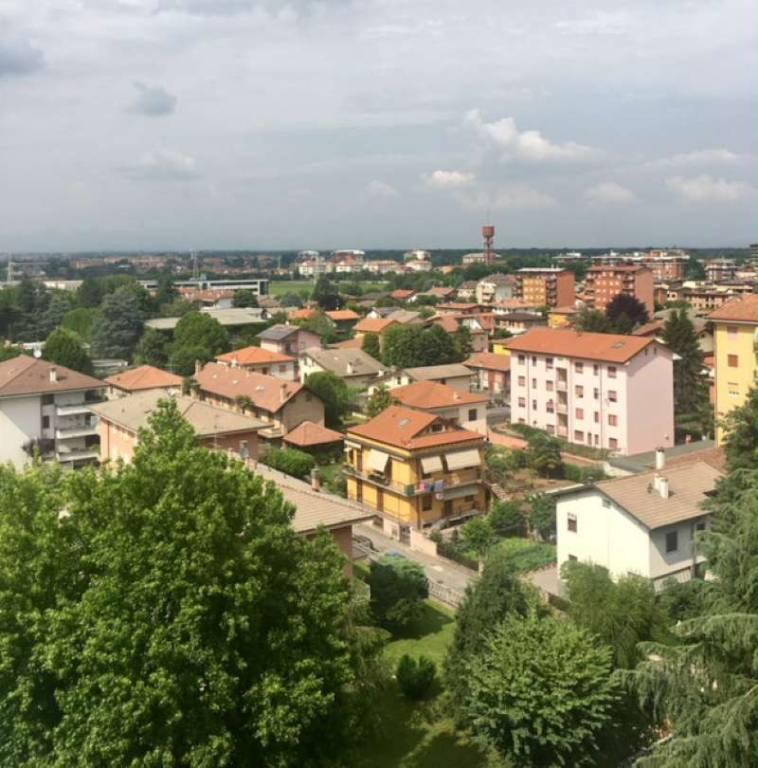 Appartamento in vendita a Garbagnate Milanese, 3 locali, prezzo € 110.000 | CambioCasa.it