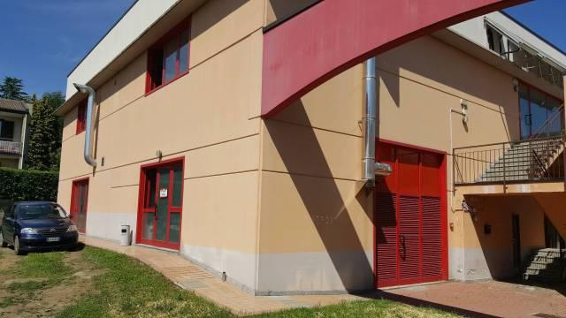 Negozio / Locale in vendita a Borgo Ticino, 4 locali, prezzo € 450.000 | CambioCasa.it