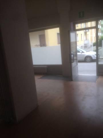 vendita negozio via Gianoli