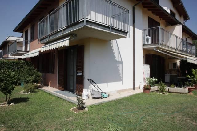 Appartamento in ottime condizioni in vendita Rif. 6840259