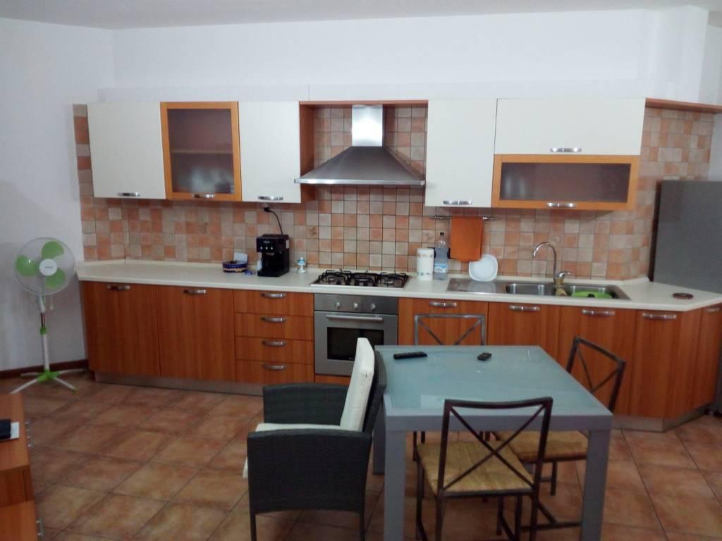 Appartamento in ottime condizioni arredato in vendita Rif. 7768426