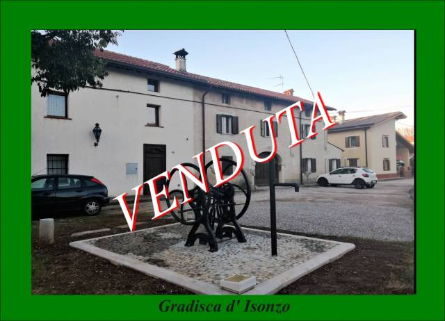 Rustico quadrilocale in vendita a Gradisca d'Isonzo (GO)