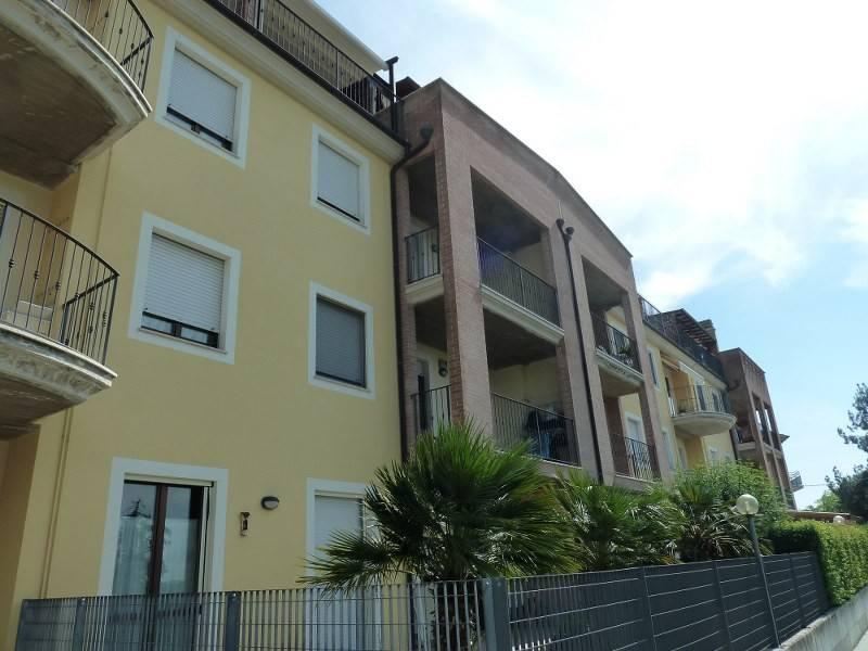 Appartamento in ottime condizioni in vendita Rif. 6842521