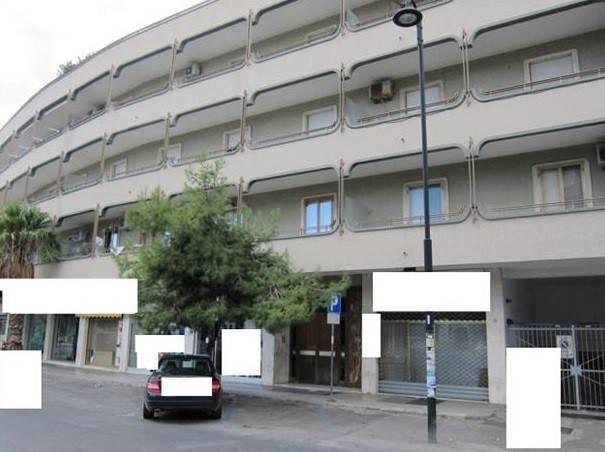 Appartamento in buone condizioni arredato in vendita Rif. 9273735
