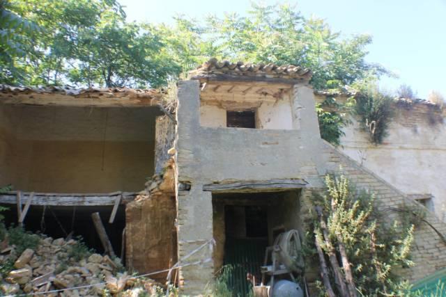 Rustico / Casale da ristrutturare in vendita Rif. 6844020
