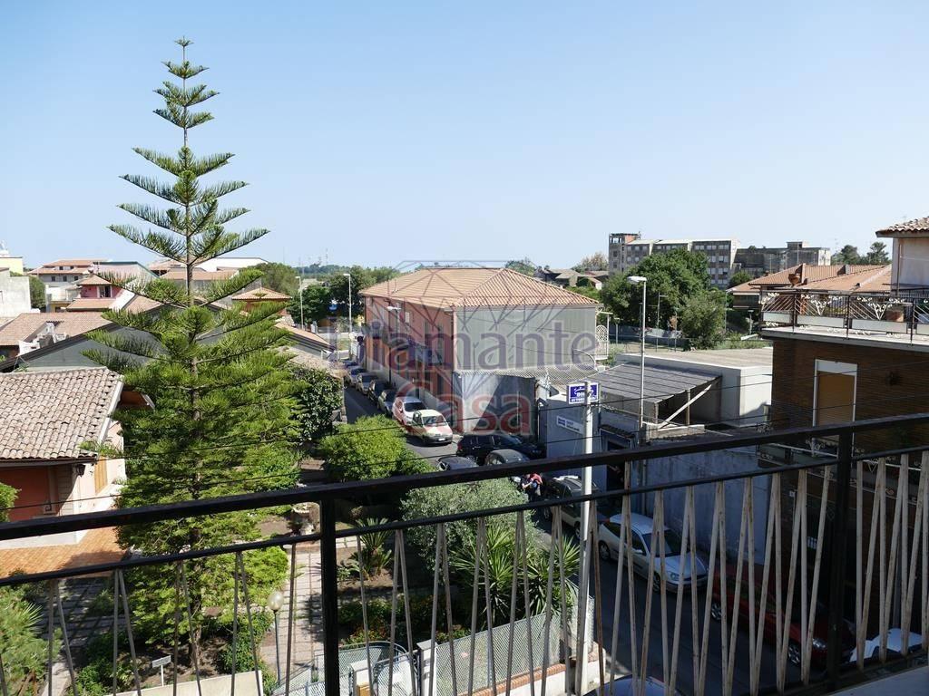 Appartamento in Affitto a San Giovanni La Punta Centro: 4 locali, 100 mq