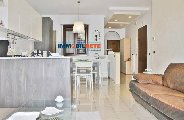 Appartamento in ottime condizioni in vendita Rif. 6840572
