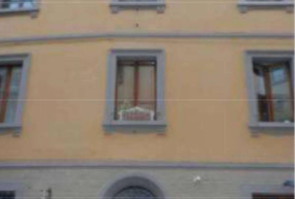 Appartamento in buone condizioni in vendita Rif. 6843737