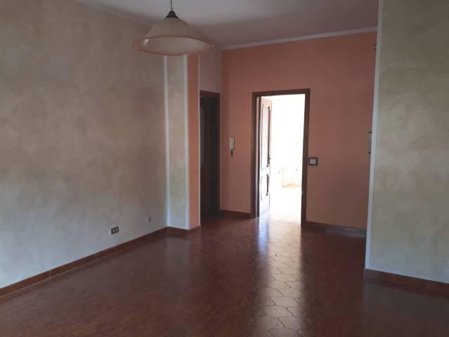 Appartamento in buone condizioni in affitto Rif. 6951716