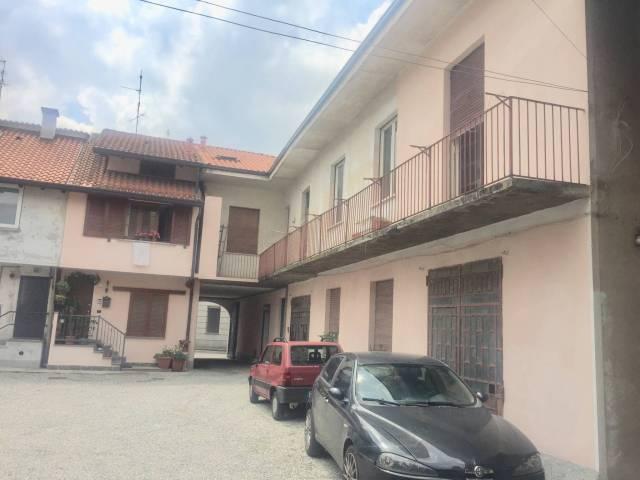 Appartamento da ristrutturare in vendita Rif. 6840559