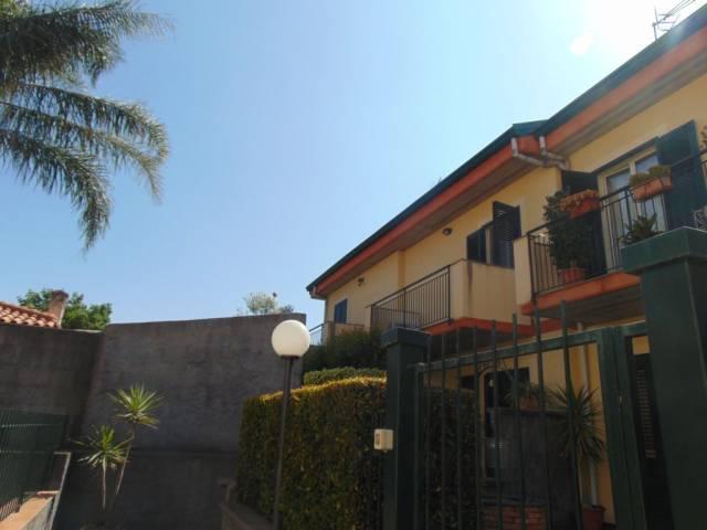 Villa a schiera a Carrubba di Riposto!!