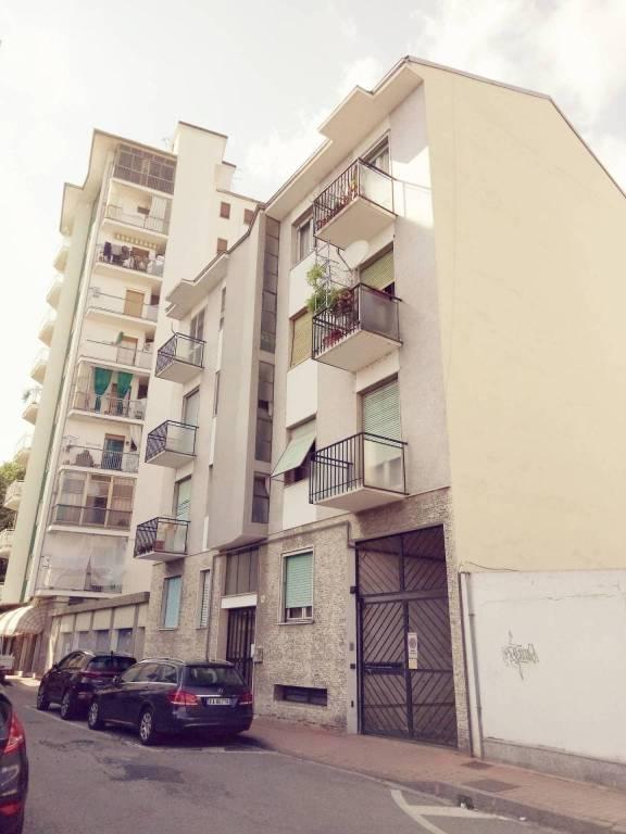 Appartamento in buone condizioni in vendita Rif. 8465391