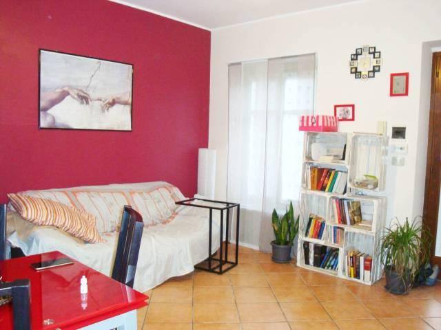 Appartamento in buone condizioni in affitto Rif. 6854525
