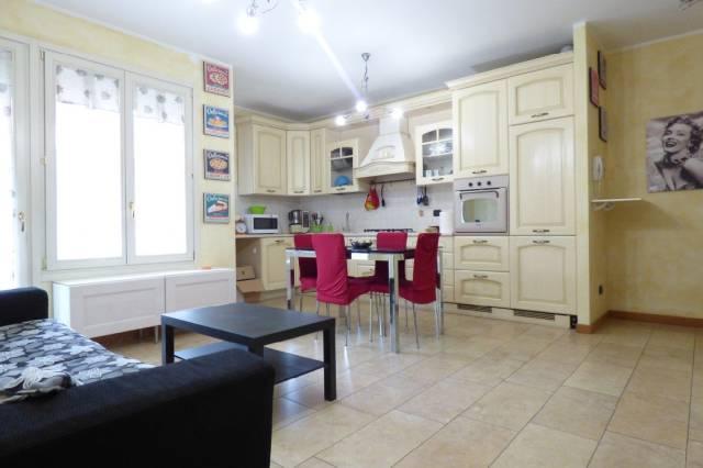 Appartamento in ottime condizioni parzialmente arredato in vendita Rif. 6852598