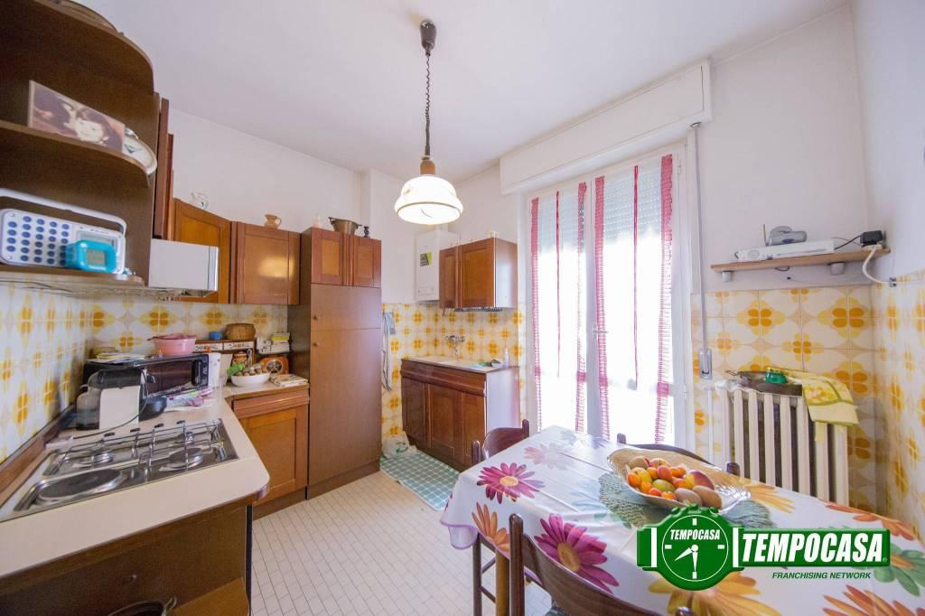 Appartamento in buone condizioni in vendita Rif. 8503192