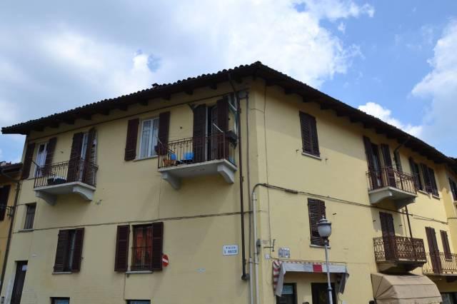 Appartamento in buone condizioni arredato in affitto Rif. 6916175