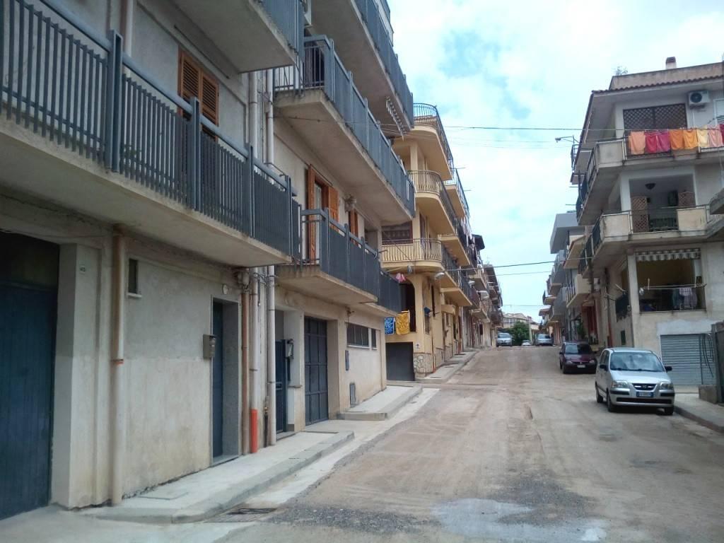 Laboratorio in Vendita a Casteldaccia Centro: 1 locali, 200 mq
