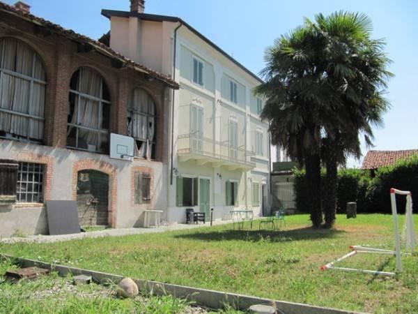 Foto 1 di Palazzo / Stabile Rivalba
