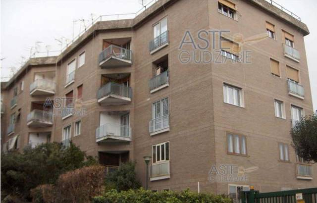 Appartamento in vendita 4 vani 147 mq.  via Francesco Petrarca 22 Napoli