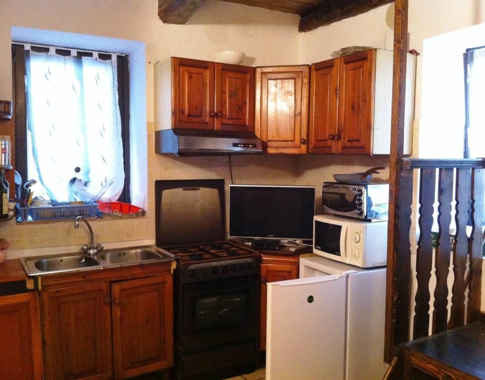 Appartamento in vendita a Sangiano, 3 locali, prezzo € 50.000 | PortaleAgenzieImmobiliari.it