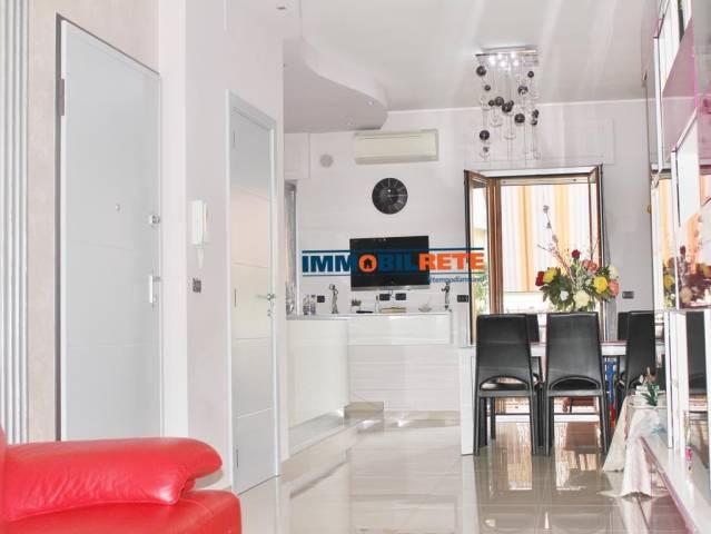 Appartamento in ottime condizioni in vendita Rif. 6856541