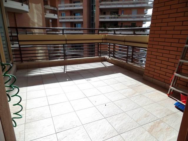 Appartamento in ottime condizioni arredato in affitto Rif. 6852909