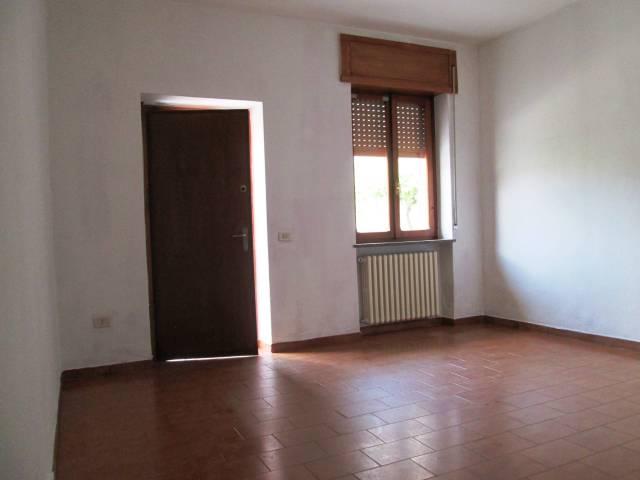 Appartamento in buone condizioni in vendita Rif. 6853648