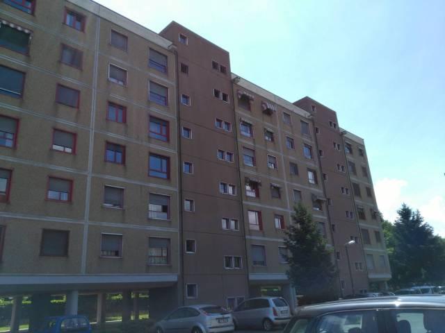 Appartamento in buone condizioni arredato in affitto Rif. 6854581