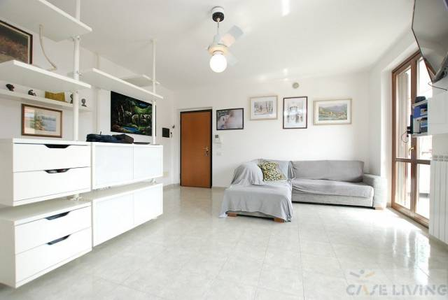 Appartamento in ottime condizioni in vendita Rif. 6853486
