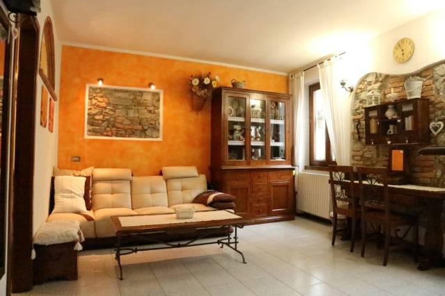 Appartamento in vendita a Albese con Cassano, 3 locali, prezzo € 108.000 | CambioCasa.it