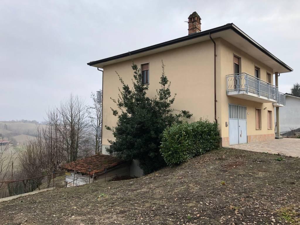 Villa in vendita a Bossolasco, 9 locali, prezzo € 220.000 | PortaleAgenzieImmobiliari.it