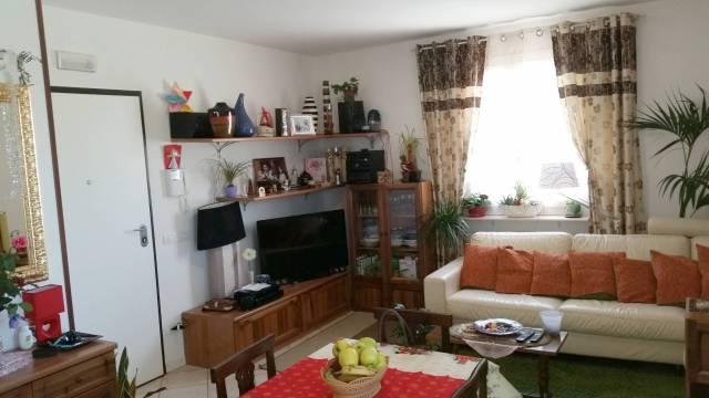 Appartamento in ottime condizioni arredato in vendita Rif. 6852357