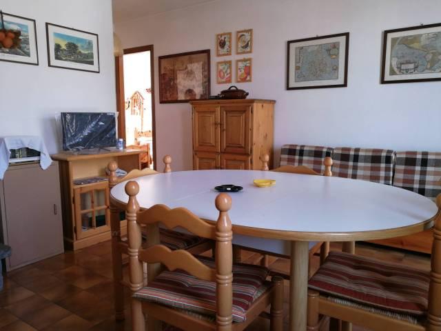 Appartamento in buone condizioni parzialmente arredato in vendita Rif. 6859827