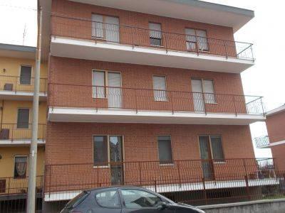 Appartamento in buone condizioni arredato in affitto Rif. 6879166