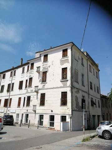 Stabile / Palazzo da ristrutturare in vendita Rif. 6879570