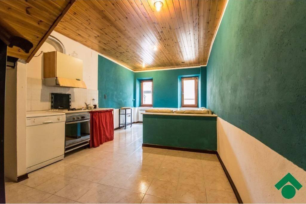Casa Indipendente in buone condizioni parzialmente arredato in vendita Rif. 9155896
