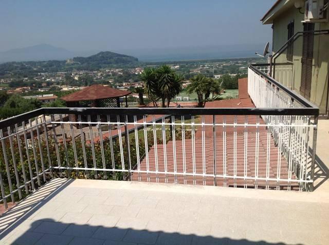 Villa in affitto a Pozzuoli, 6 locali, prezzo € 2.000 | CambioCasa.it