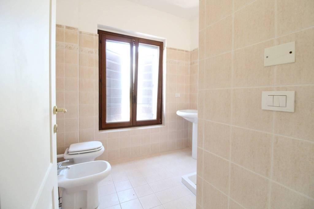 Appartamento in ottime condizioni in vendita Rif. 8176072