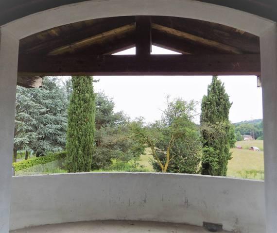 Villa in Vendita a Albiolo