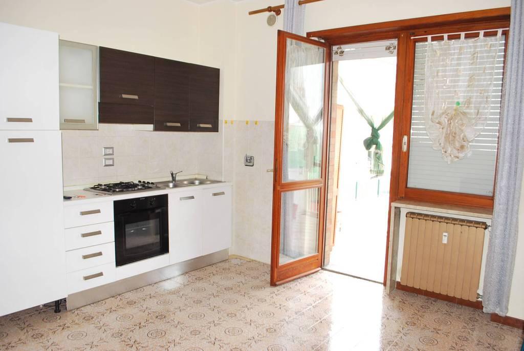 Appartamento in buone condizioni arredato in affitto Rif. 8503132