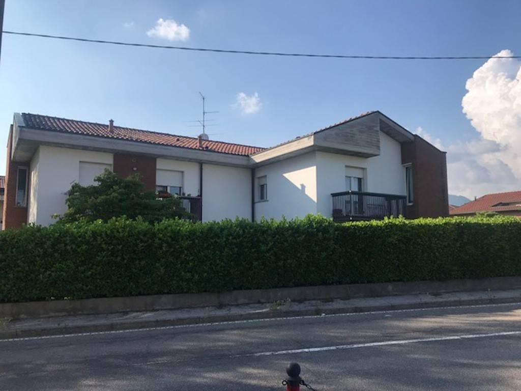Appartamento in vendita a Alzate Brianza, 4 locali, prezzo € 170.000 | PortaleAgenzieImmobiliari.it