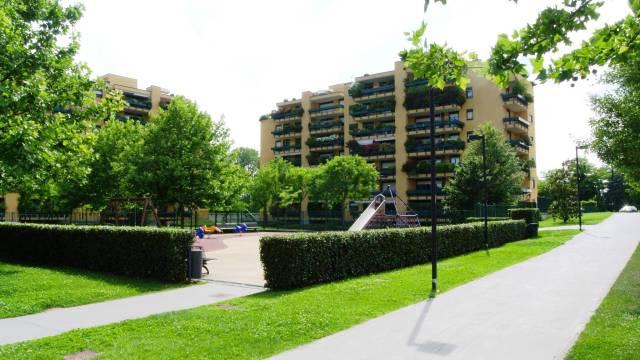 Appartamento in ottime condizioni arredato in affitto Rif. 6875171