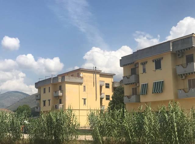 Appartamento in buone condizioni in vendita Rif. 6727758